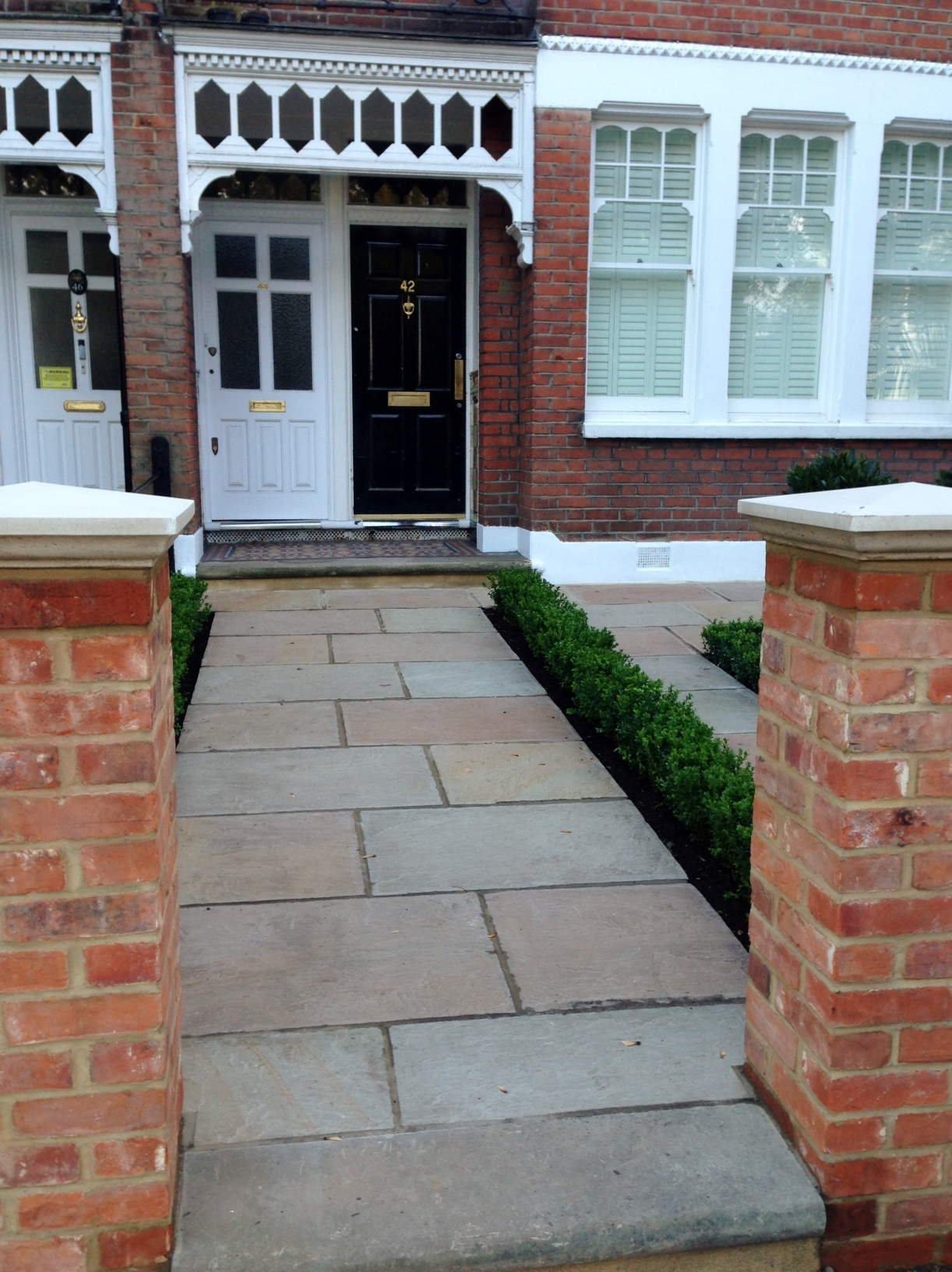Imperial red brick London wall stone  pier caps sandstone paving and formal topiary classic front garden Balham (4)