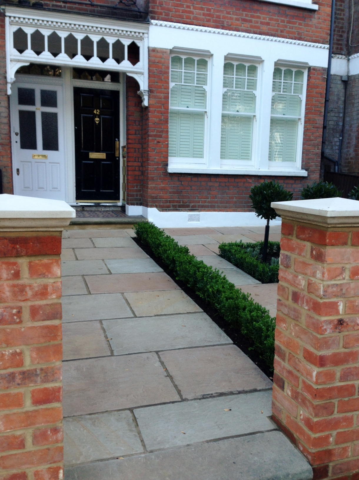 Imperial red brick London wall stone  pier caps sandstone paving and formal topiary classic front garden Balham (5)