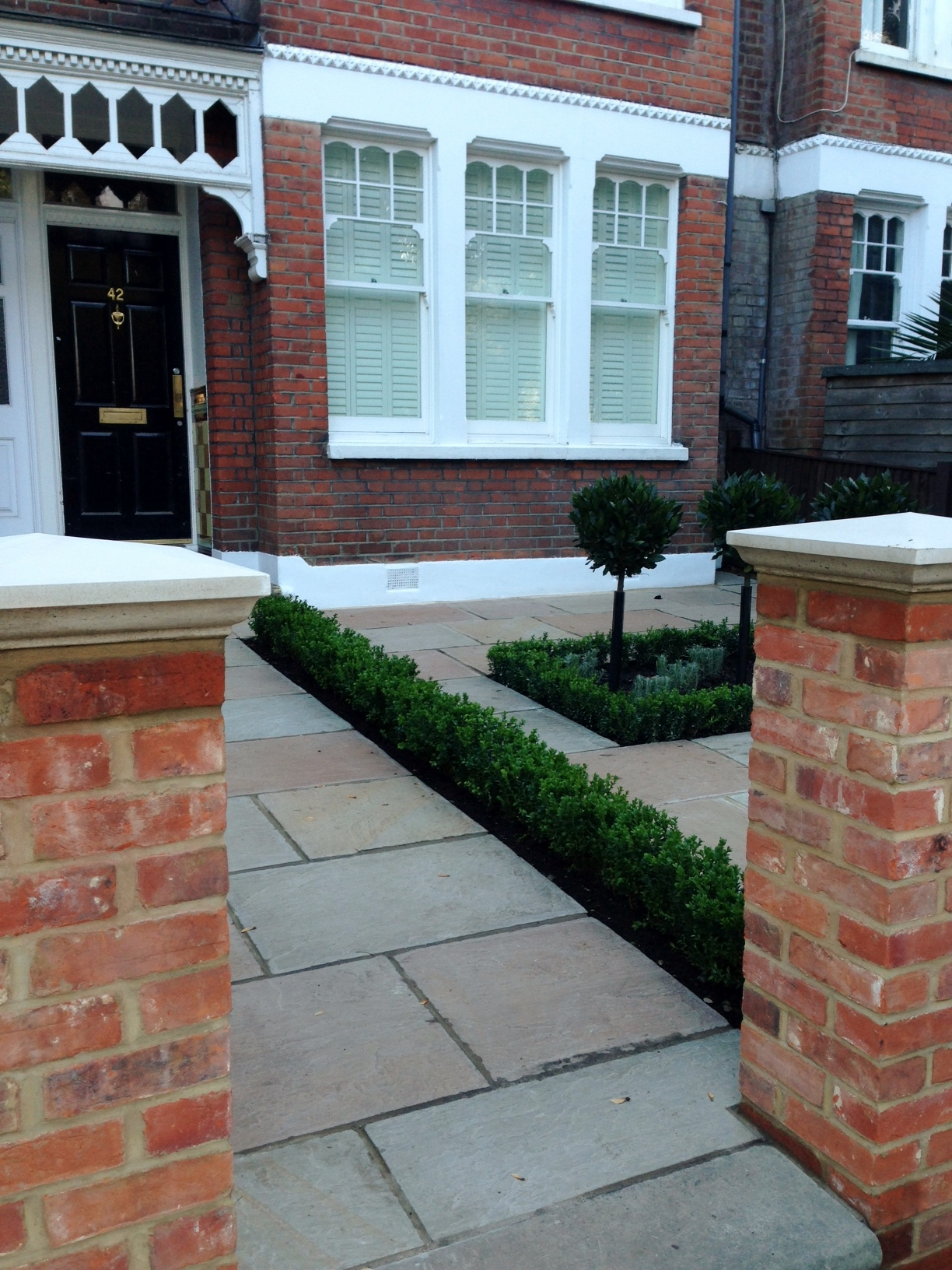 Imperial red brick London wall stone pier caps sandstone paving and formal topiary classic front garden Balham (6)