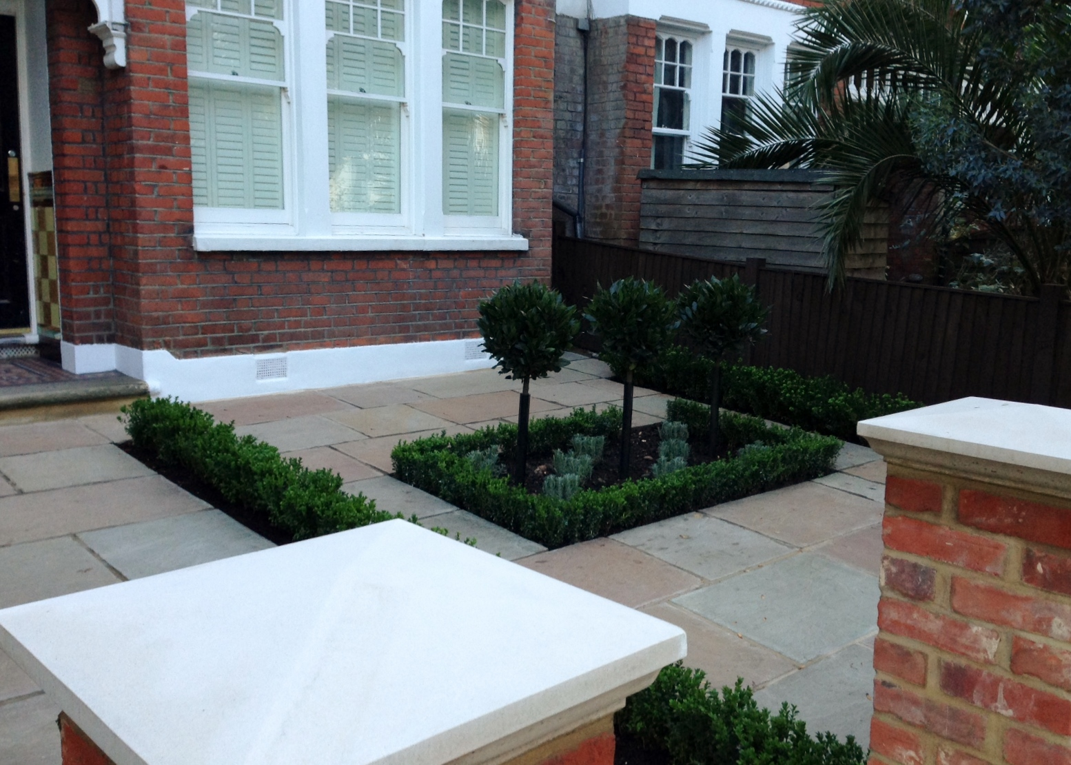 Imperial red brick London wall stone pier caps sandstone paving and formal topiary classic front garden Balham (8)