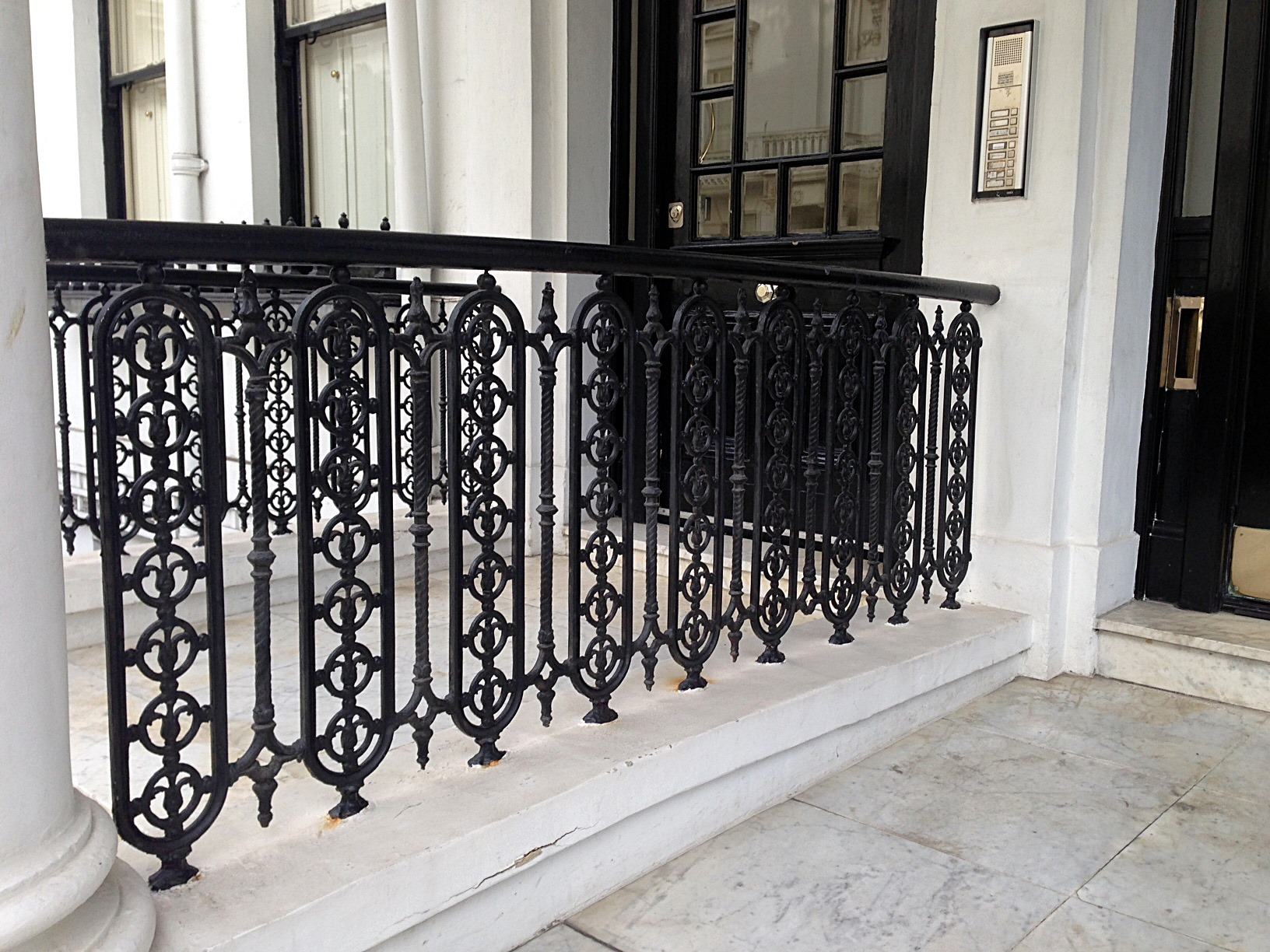 Kensington victorian wrought iron heritage rails side panels and foot scrape London (3)