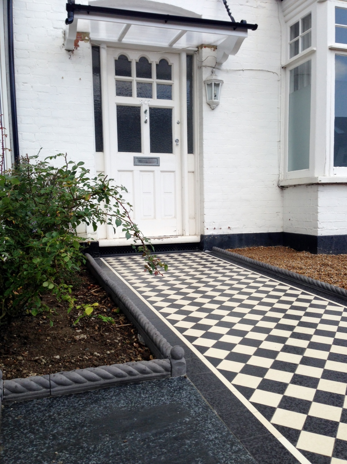 Victorian black and white mosaic tile garden path rope edge tile brockley lea catford london (3)