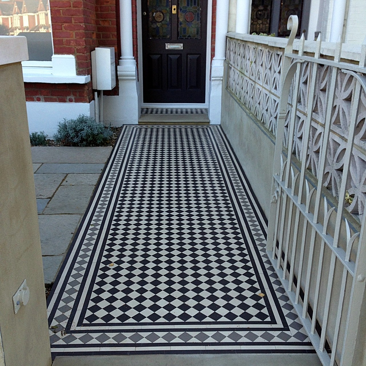 balham and clapham black white and grey victorian mosaic tile path London (1)