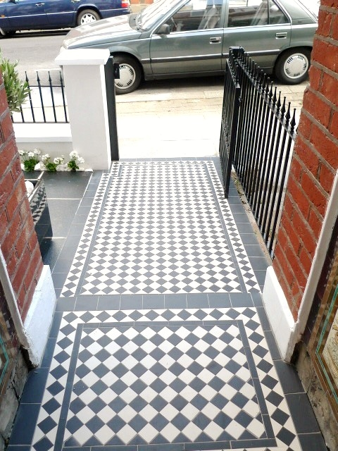 black and white victorian mosaic tile path garden wall metal agte and rail charcoal black paving clapham london (12)