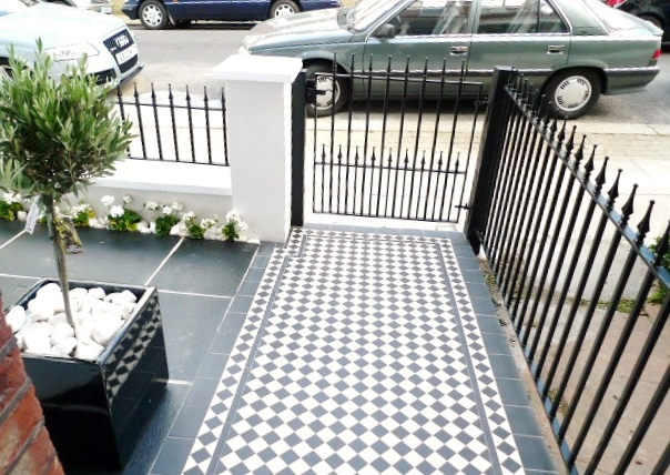 black and white victorian mosaic tile path garden wall metal agte and rail charcoal black paving clapham london (15)