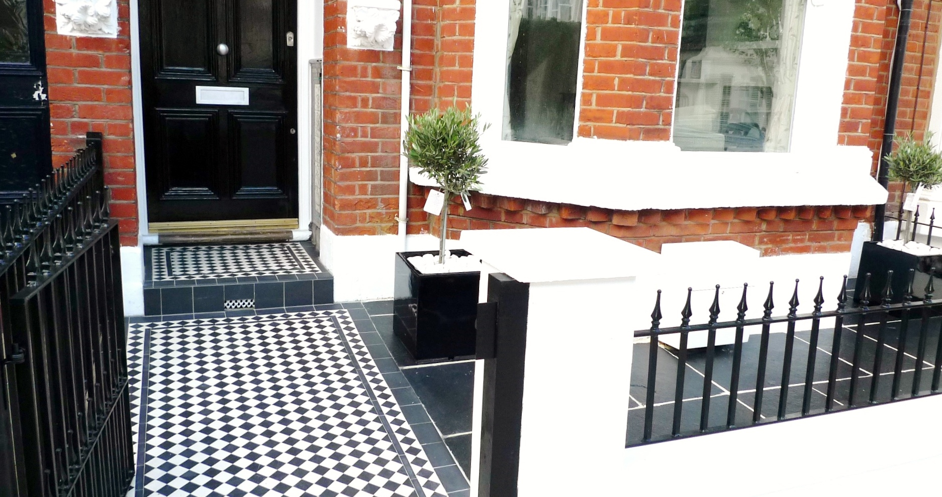 black and white victorian mosaic tile path garden wall metal agte and rail charcoal black paving clapham london (17)