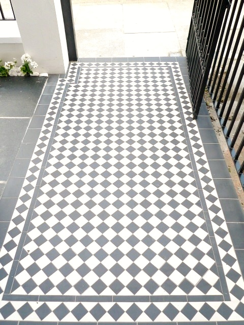black and white victorian mosaic tile path garden wall metal agte and rail charcoal black paving clapham london (18)