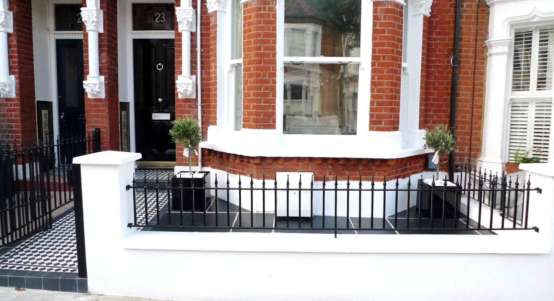 black and white victorian mosaic tile path garden wall metal agte and rail charcoal black paving clapham london (3)