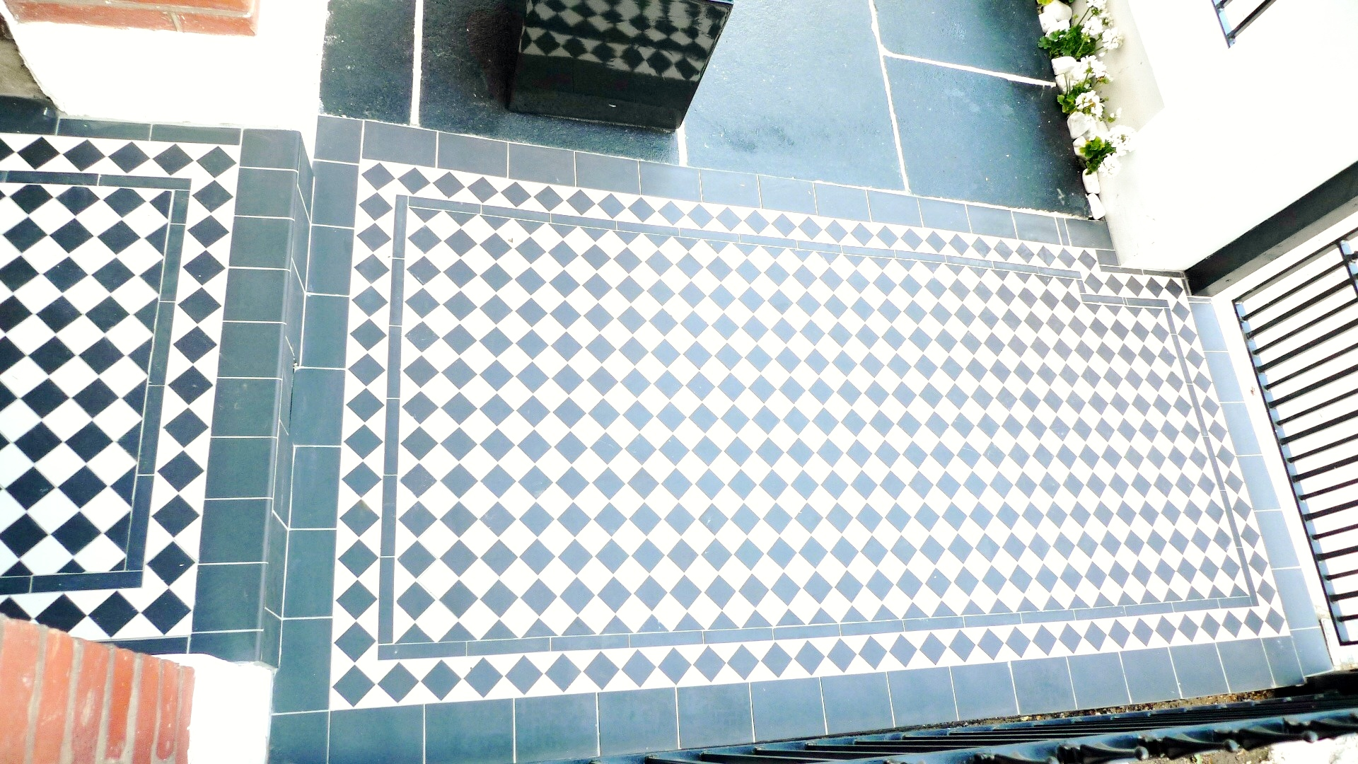 black and white victorian mosaic tile path garden wall metal agte and rail charcoal black paving clapham london (8)