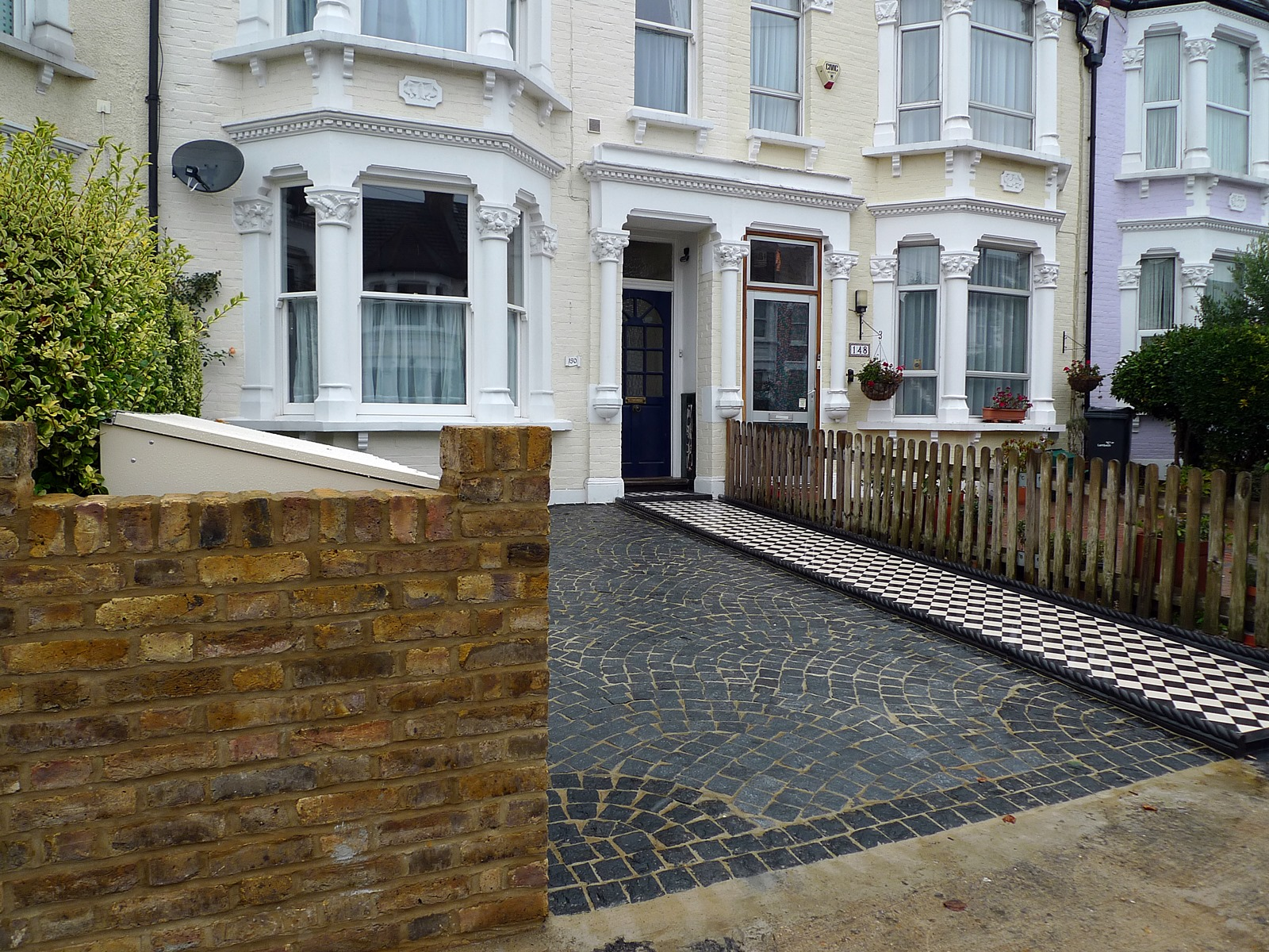 blaock paving driveway and mosaic tile path streatham london