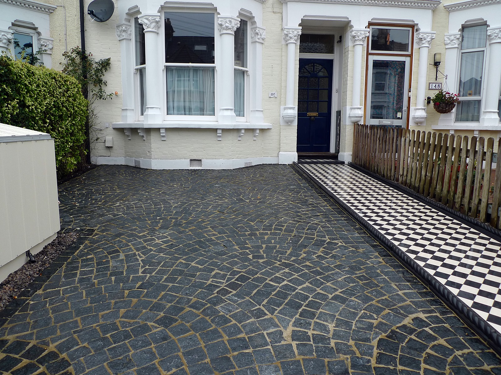 granite cube drive way front garden streatham londob