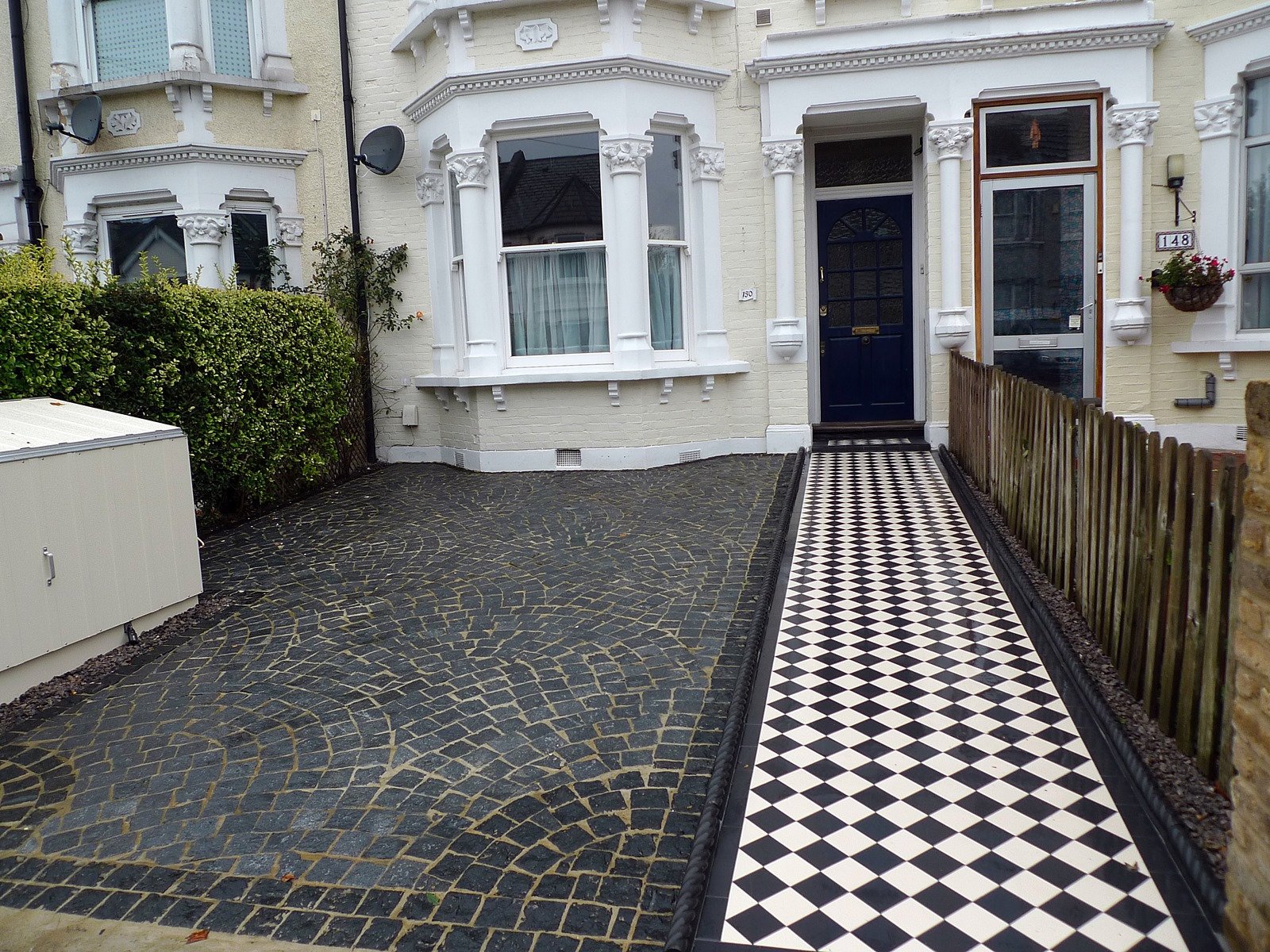 Grey Granite Setts Driveway Black And White Victorian
