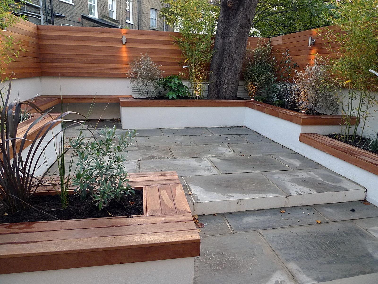 Modern london courtyard low maintenance urban outdoor for 10 plants for courtyard gardens design