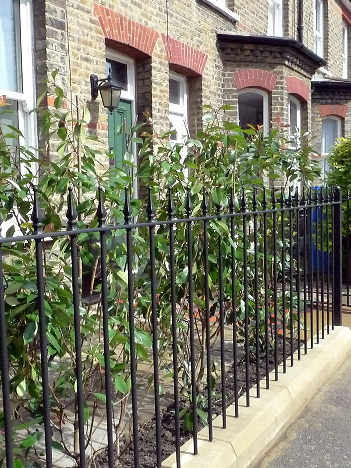 york stone wrought iron rails black and red terracota quarry mosaic victorian tiles camberwell london south east london (1)