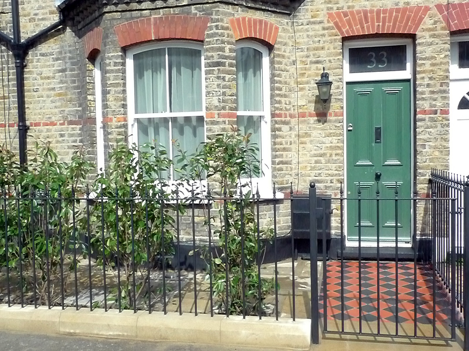 york stone wrought iron rails black and red terracota quarry mosaic victorian tiles camberwell london south east london (3)