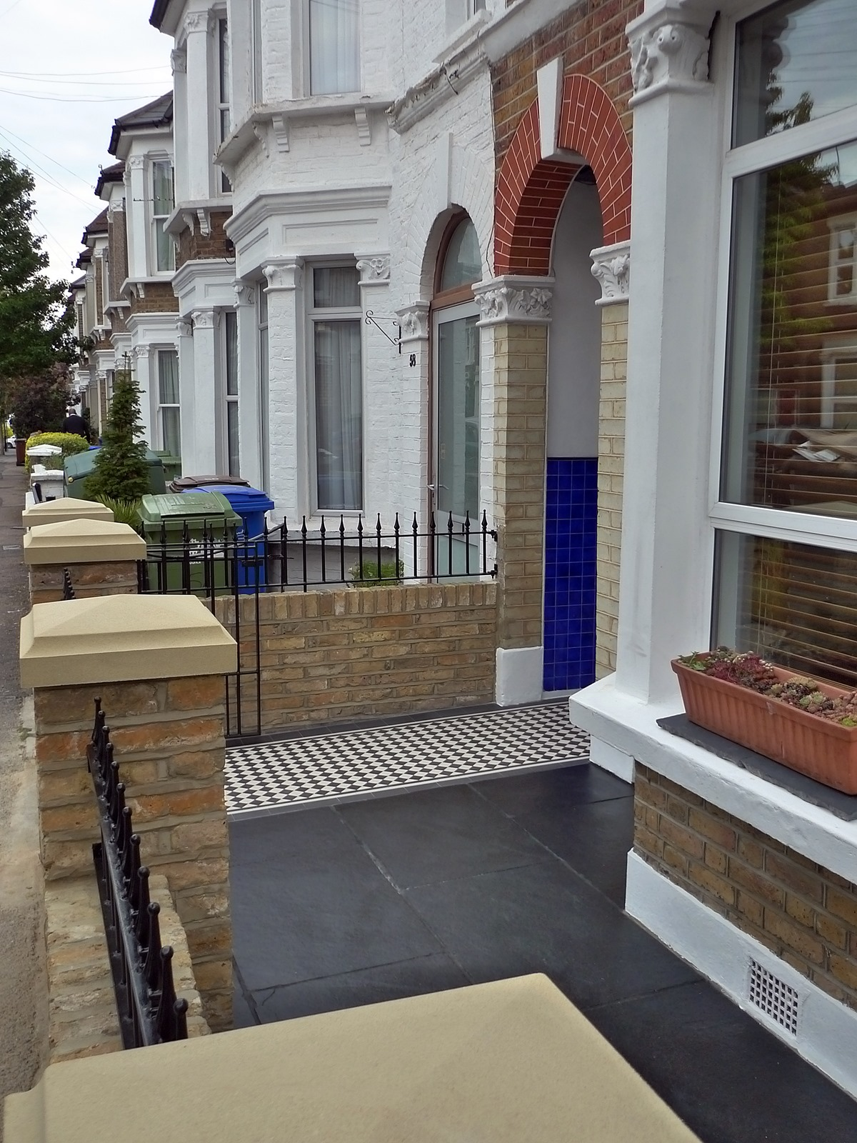 Dulwich And East Dulwich Victorian Black And White Mosaic Tile Path London Stock Brick Garden Wall Rails And Gate (12)