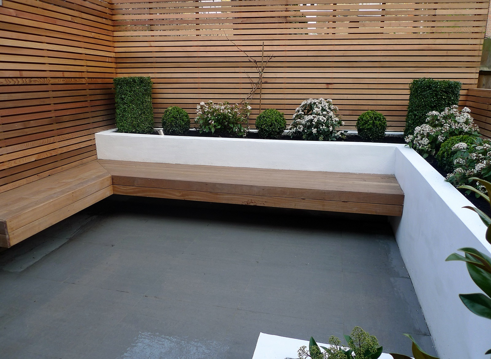 Garden design designer clapham balham battersea small low maintenance  1600 x 1169