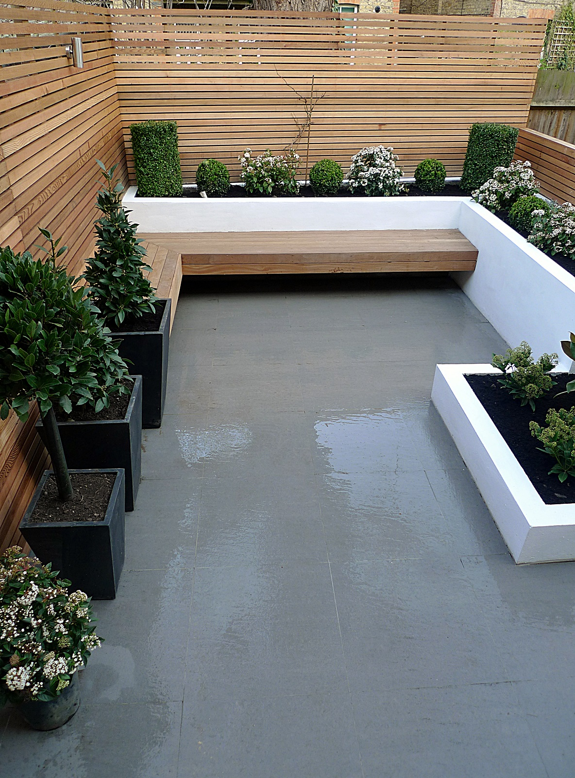 Garden design designer clapham balham battersea small for Small low maintenance garden designs