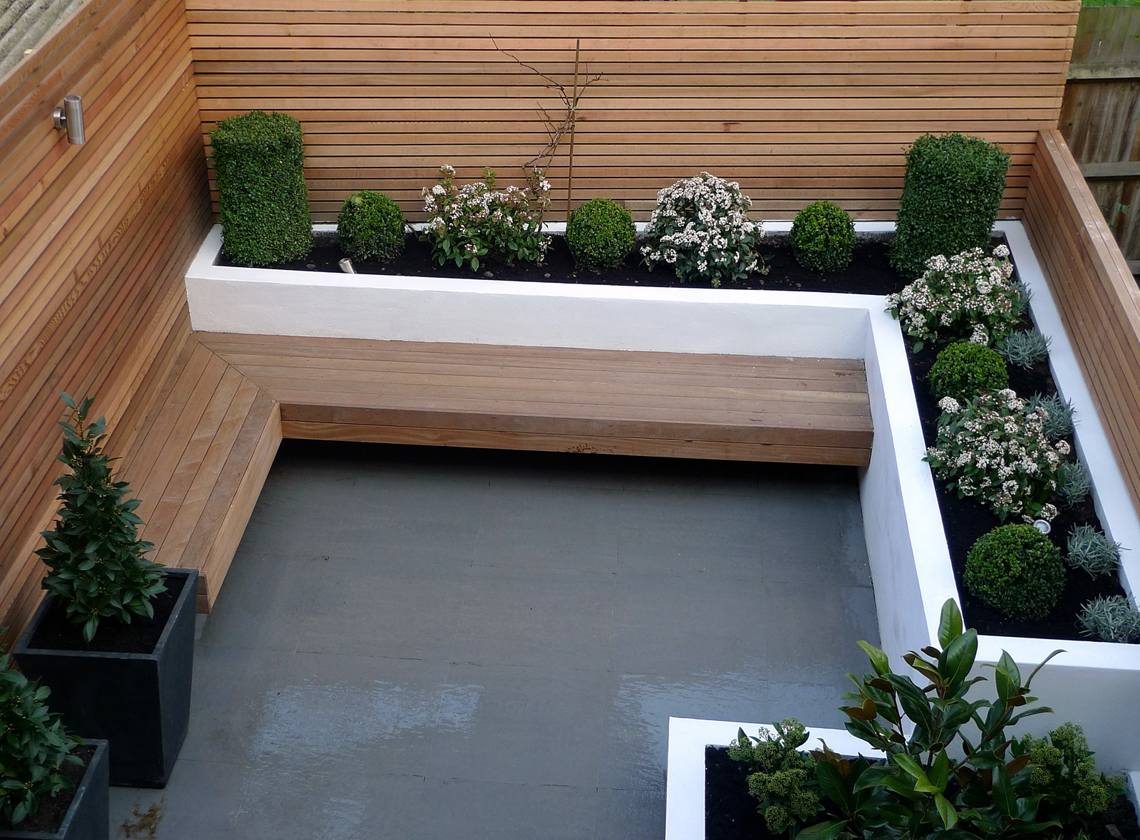 Designer london garden blog for Small modern house garden design