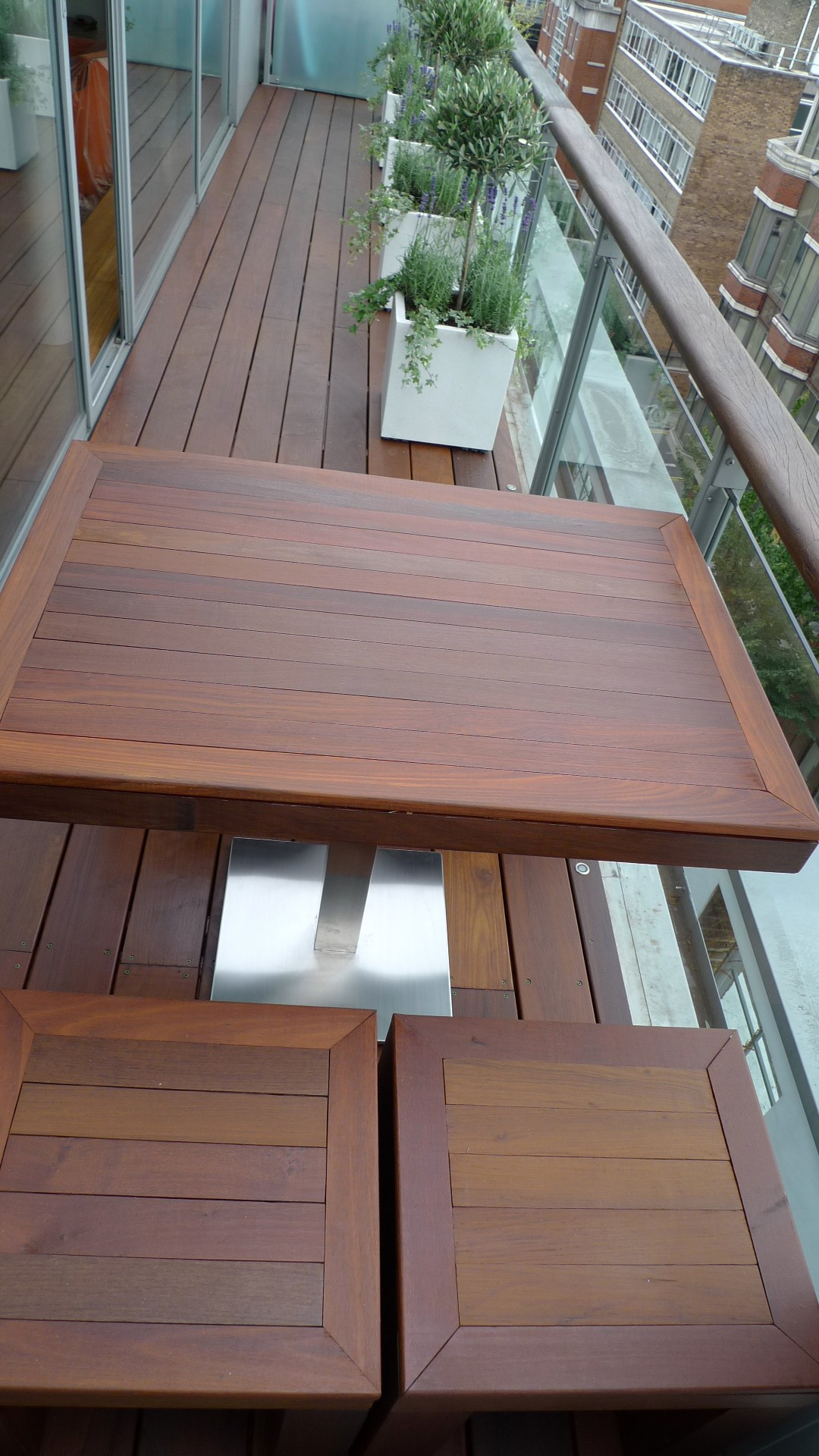 Ipe brazillian hardwood deck decking installation builders garden designers islington central london roof garden (10)