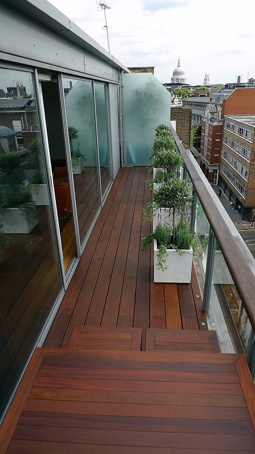 Ipe brazillian hardwood deck decking installation builders garden designers islington central london roof garden (2)