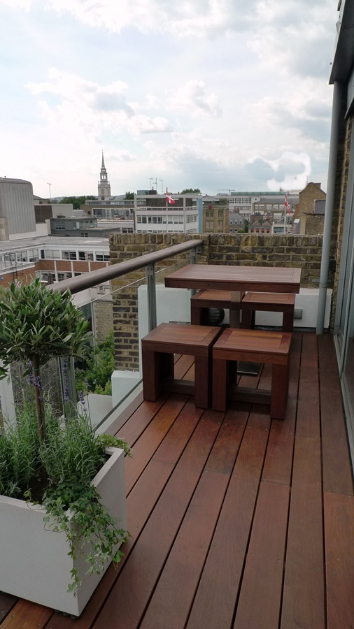 Ipe brazillian hardwood deck decking installation builders garden designers islington central london roof garden (6)