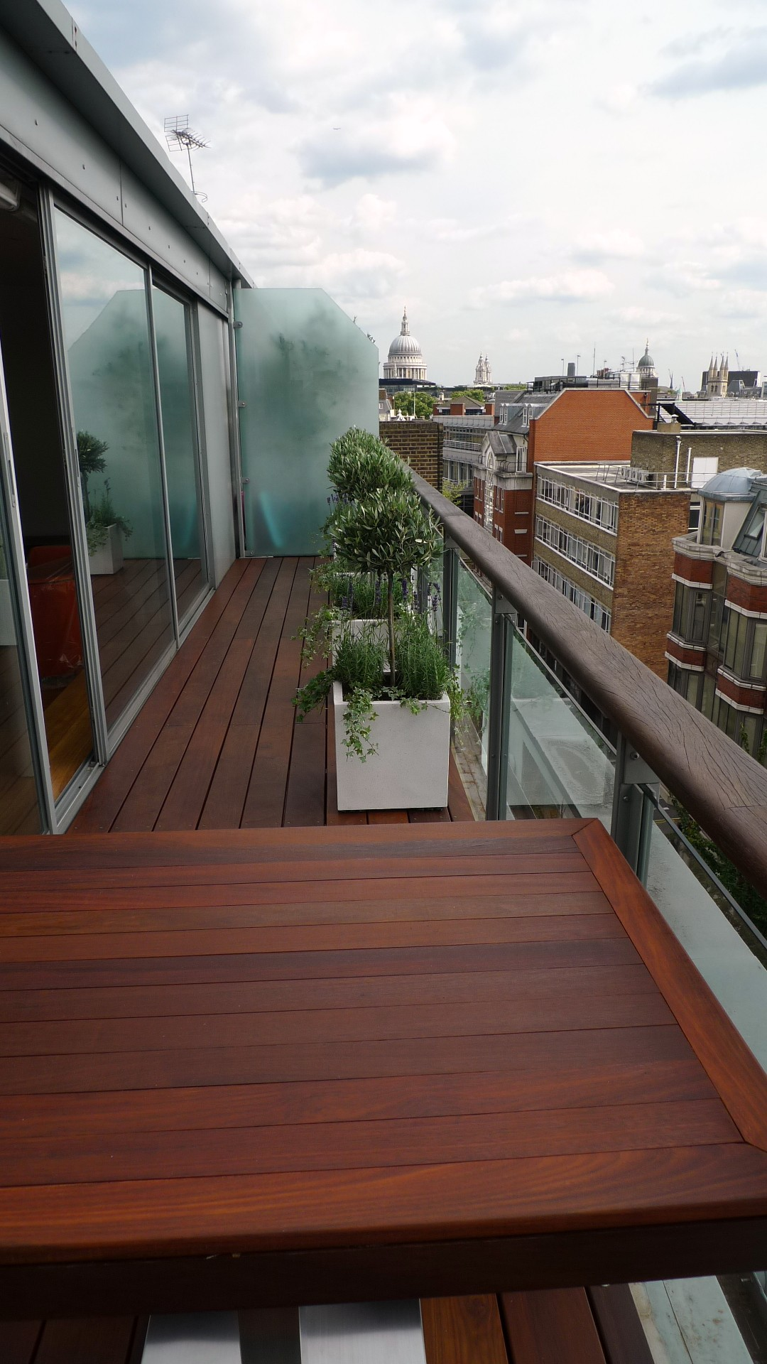 Ipe brazillian hardwood deck decking installation builders garden designers islington central london roof garden (7)