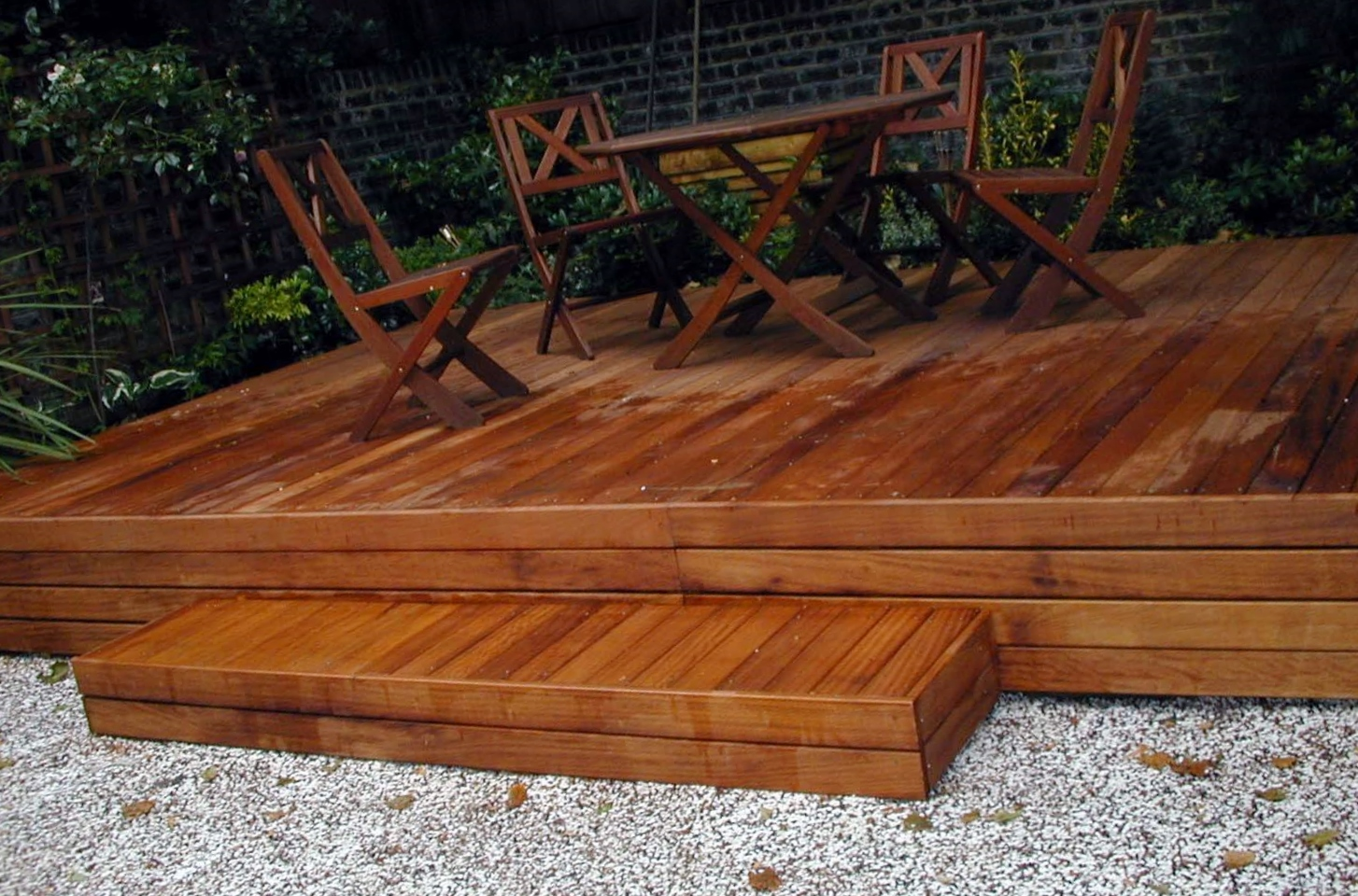 london decking deck builders installers hardwood softwood garden design (39)