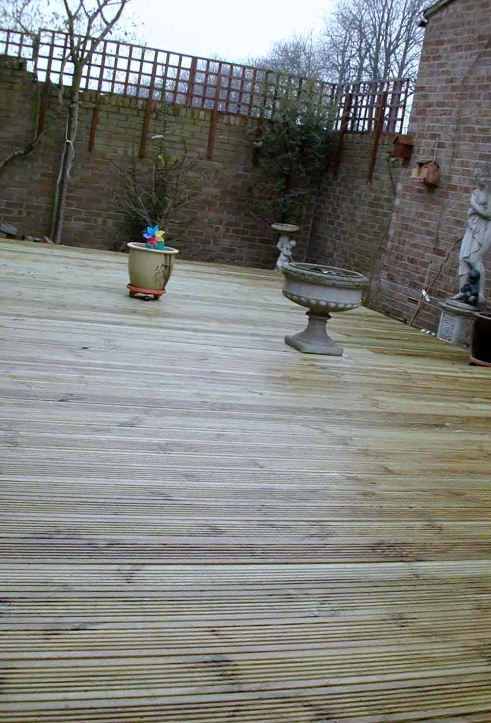london decking deck builders installers hardwood softwood garden design (43)
