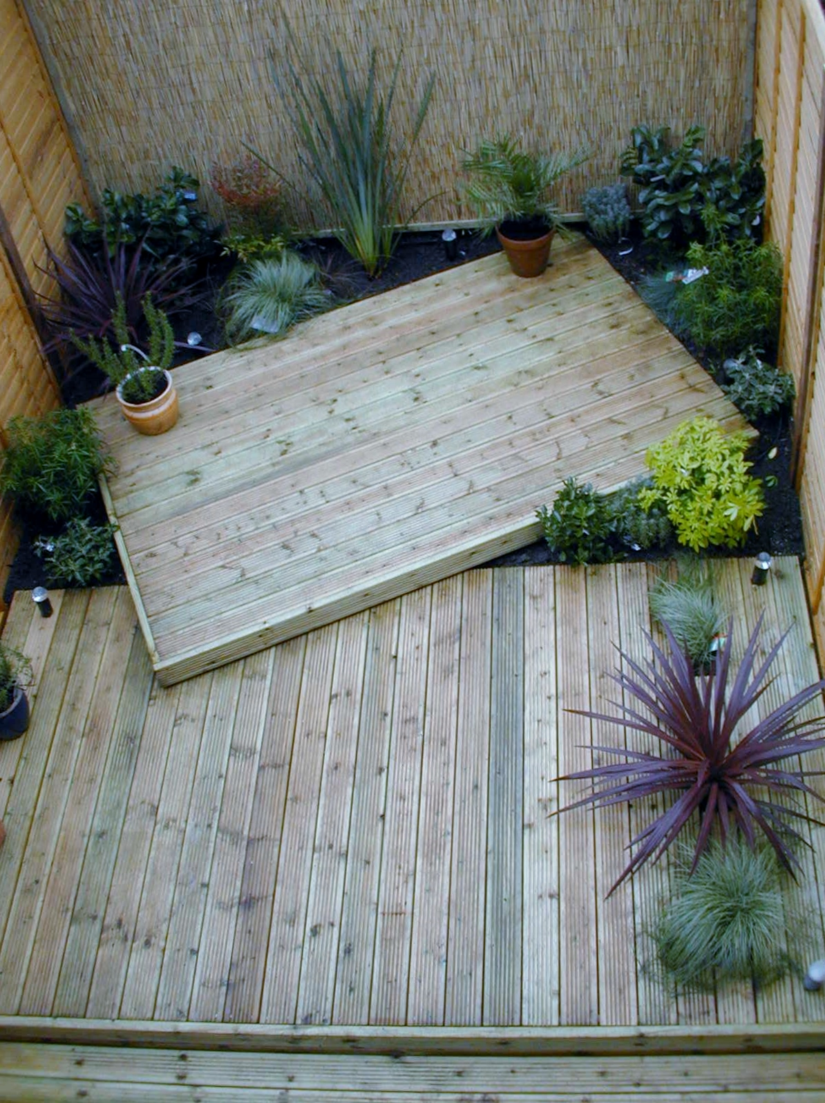 london decking deck builders installers hardwood softwood garden design (45)