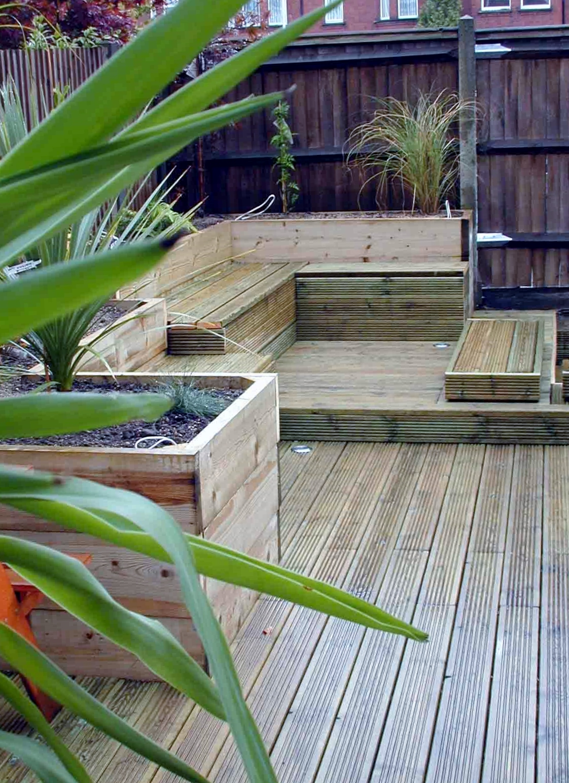 london decking deck builders installers hardwood softwood garden design (46)
