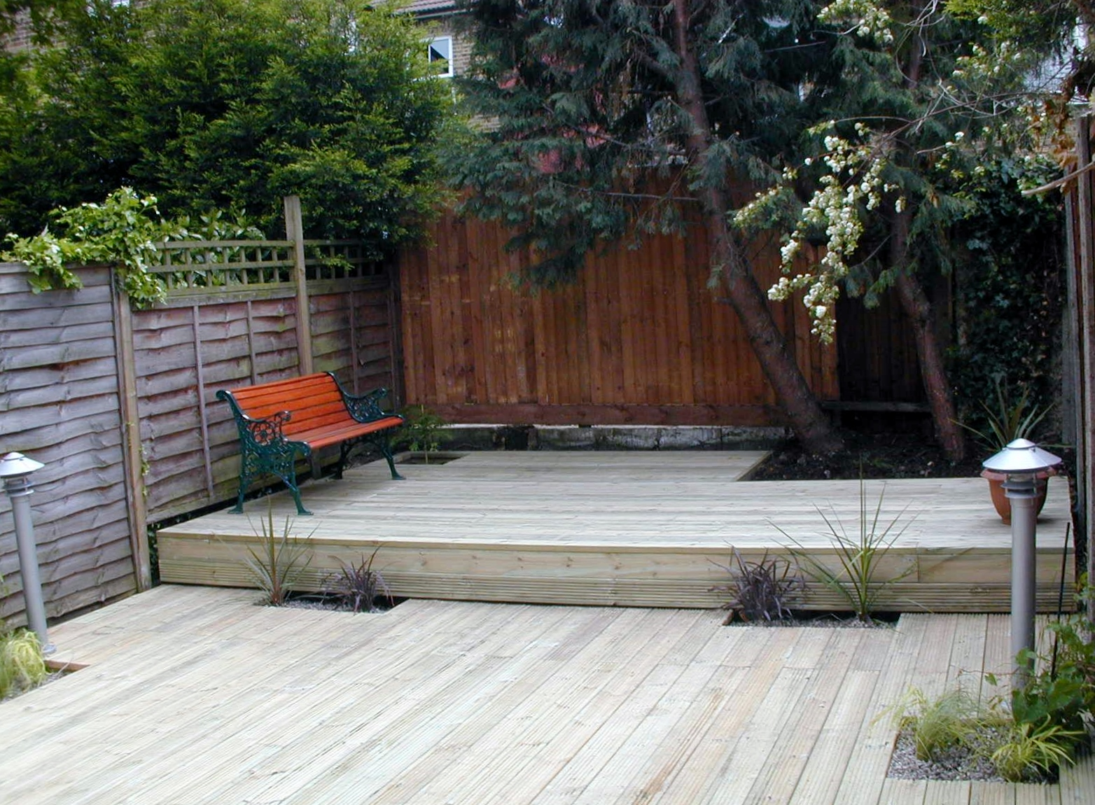 london decking deck builders installers hardwood softwood garden design (69)