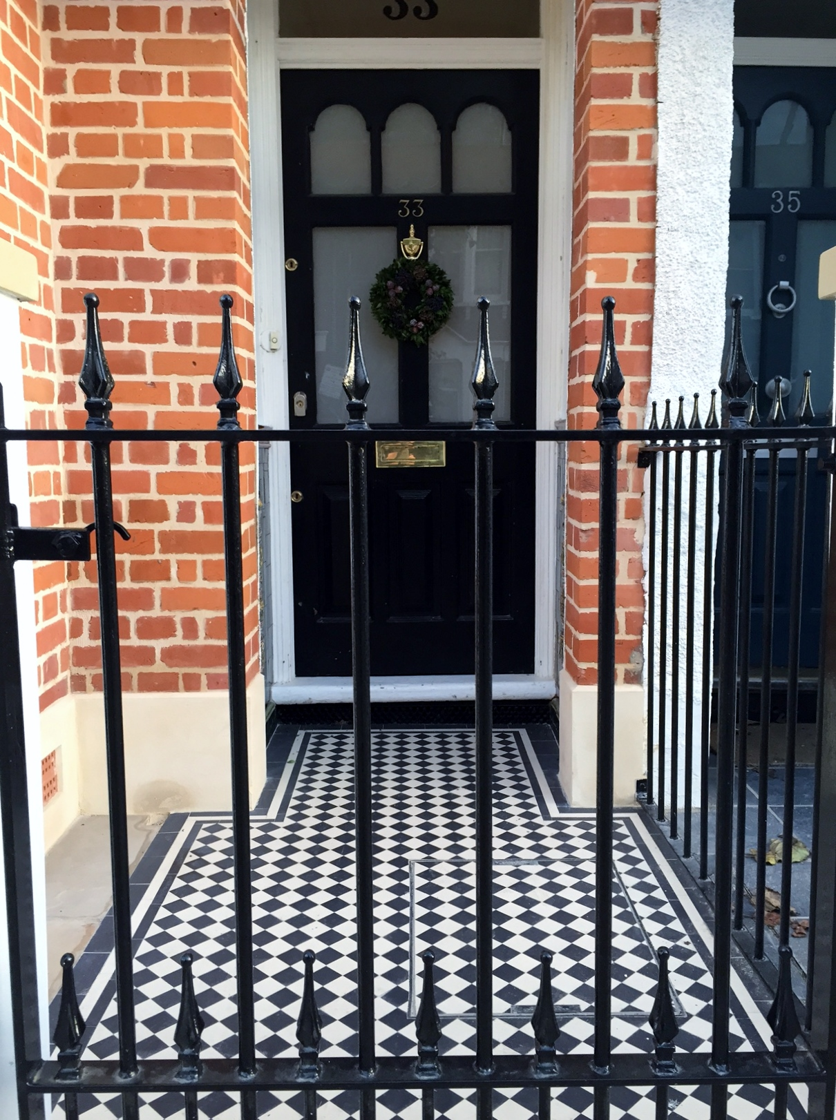 Balham Victorian Mosaic Tile Path Rendered Wall Yorkstone Pier And Coping Caps Metal Gate And Rail Clapham Dulwich London (13)
