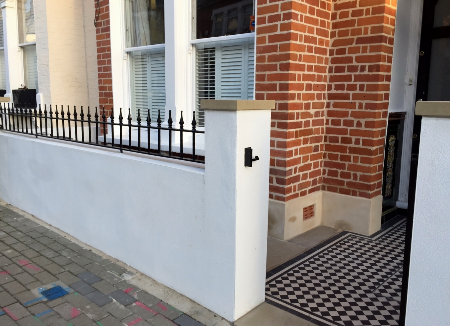 Balham Victorian Mosaic Tile Path Rendered Wall Yorkstone Pier And Coping Caps Metal Gate And Rail Clapham Dulwich London (2)