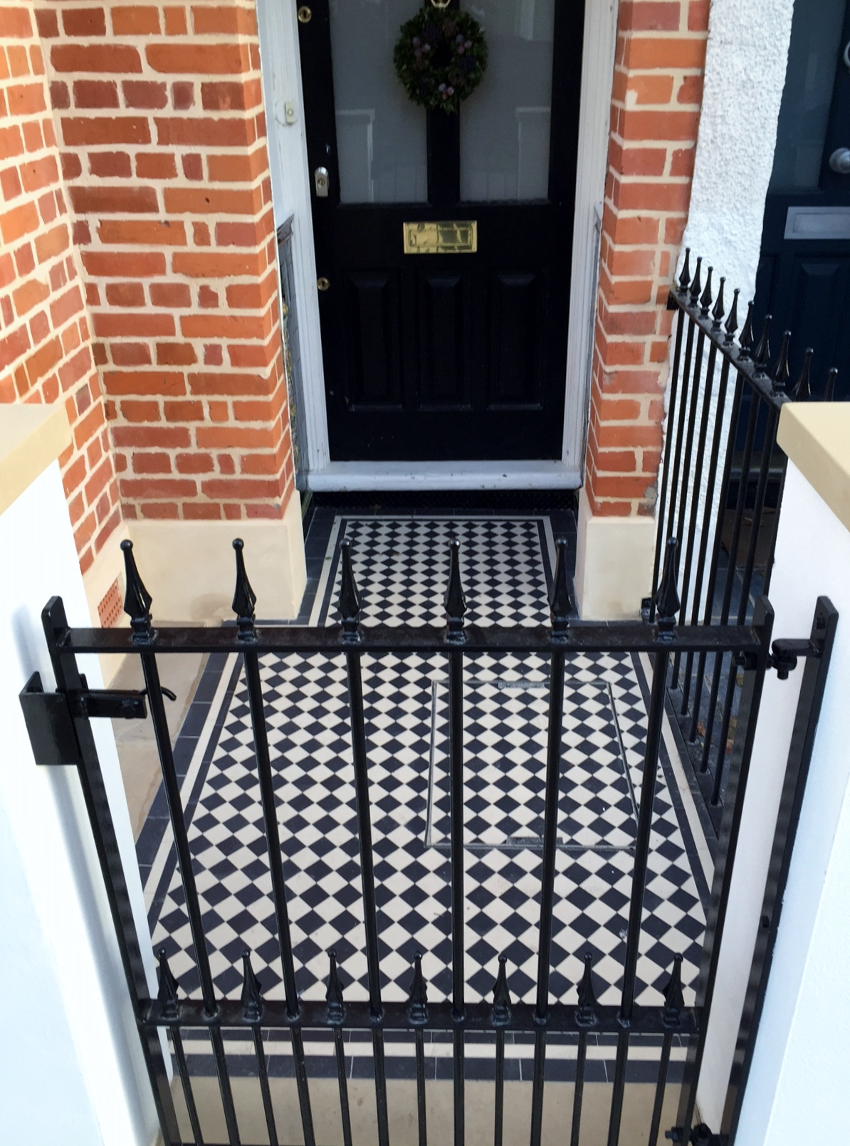 Balham Victorian Mosaic Tile Path Rendered Wall Yorkstone Pier And Coping Caps Metal Gate And Rail Clapham Dulwich London (9)
