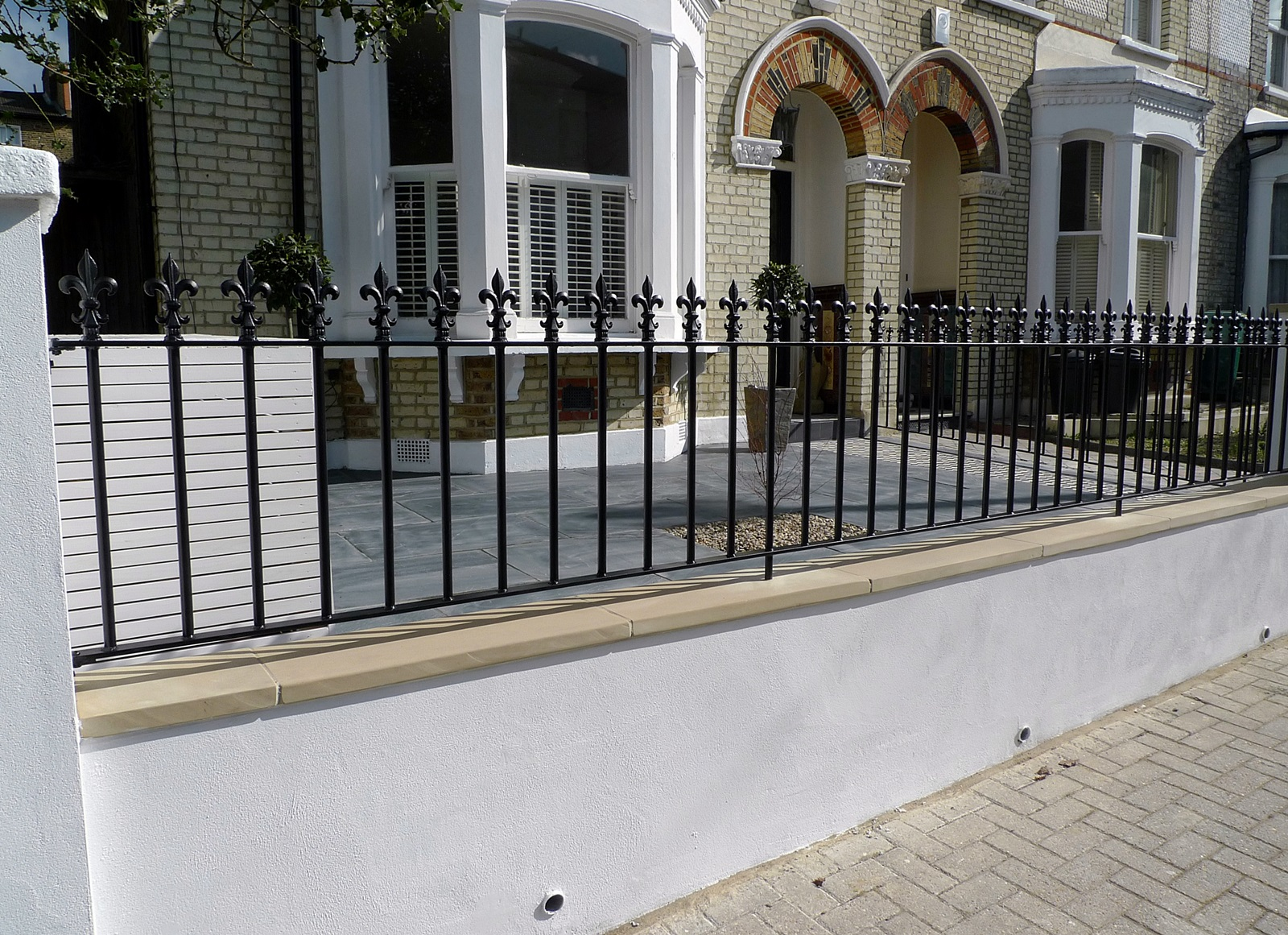 Front garden wall rail gate Victorian mosaic slate paving bespoke bin store York stone caps Balham Clapham Dulwich Tooting London (1)