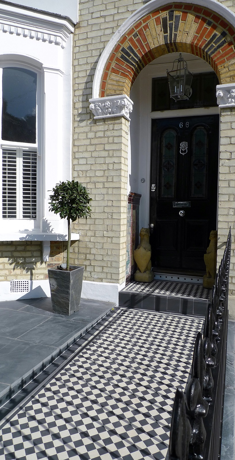 Front garden wall rail gate Victorian mosaic slate paving bespoke bin store York stone caps Balham Clapham Dulwich Tooting London (11)