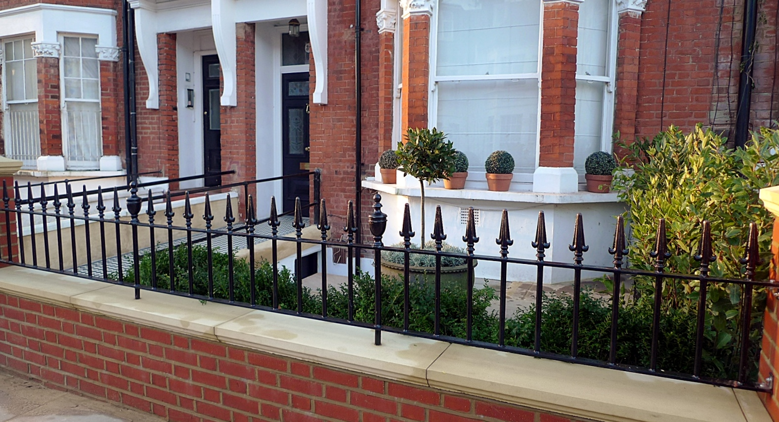 London Red Brick Wall Stone Caps Imperial Rail Victorian Mosaic Path Buxus Planting Hampstead West London (17)