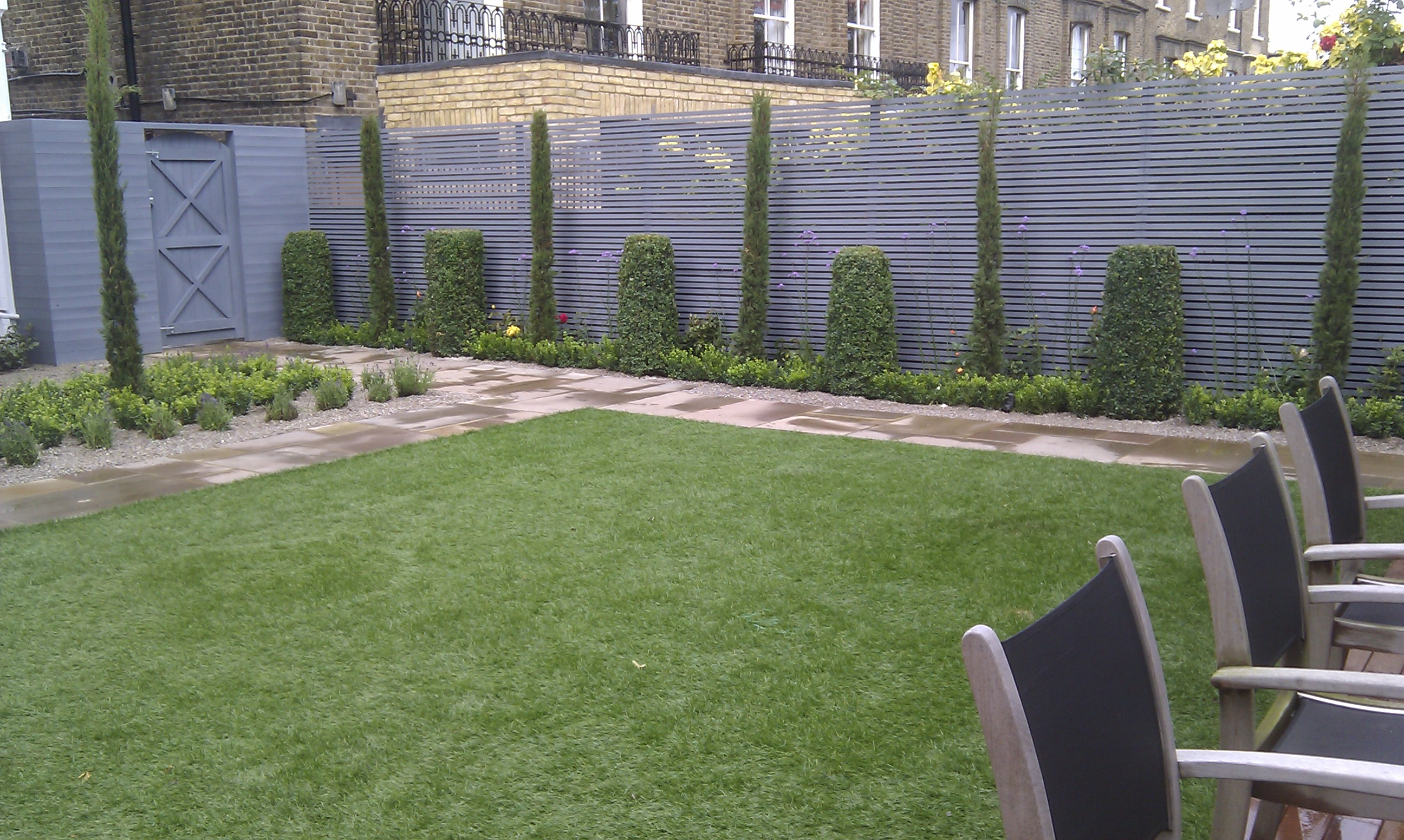 artificial easy grass paving cedar screen planting garden design belsize park hampstead london (14)