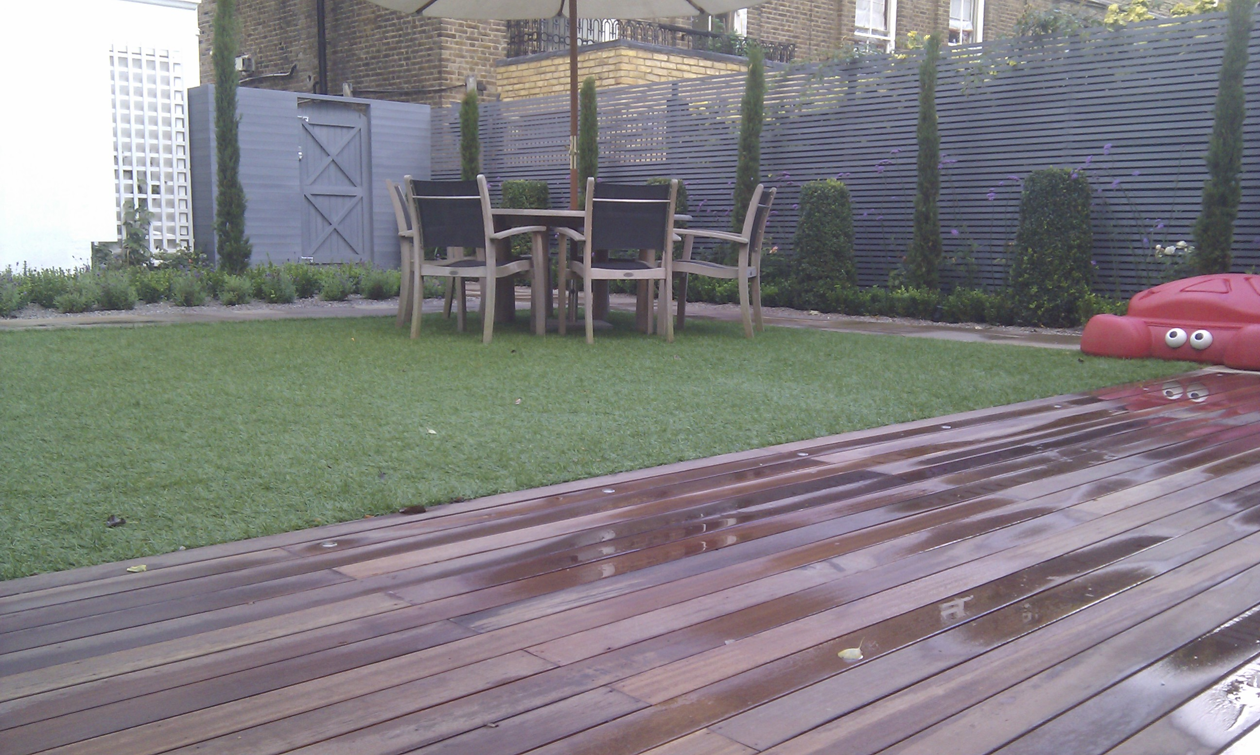 artificial easy grass paving cedar screen planting garden design belsize park hampstead london (7)
