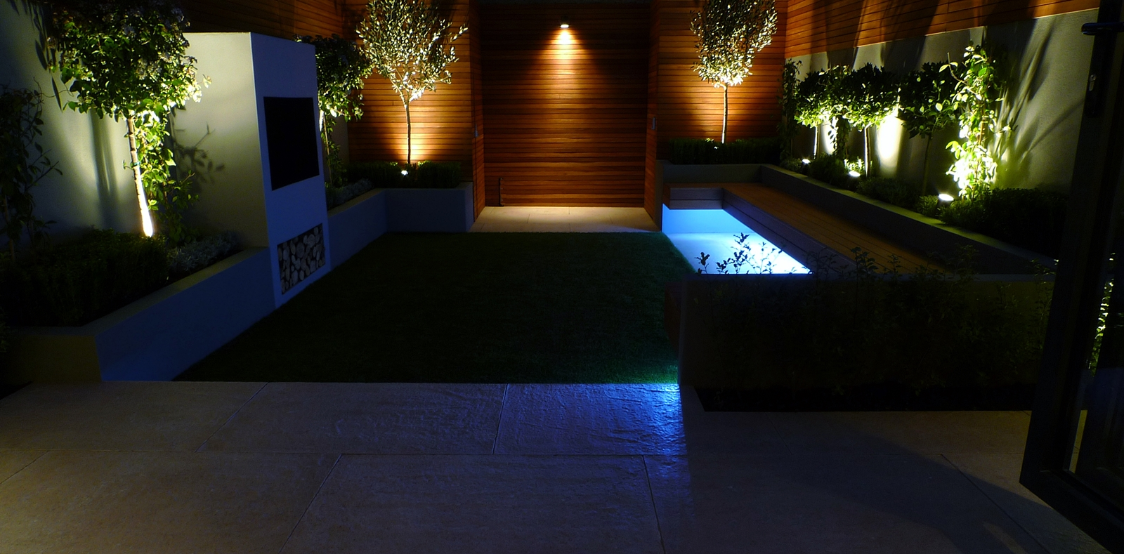 Modern garden design landscapers designers of contemporary for Garden lighting designs
