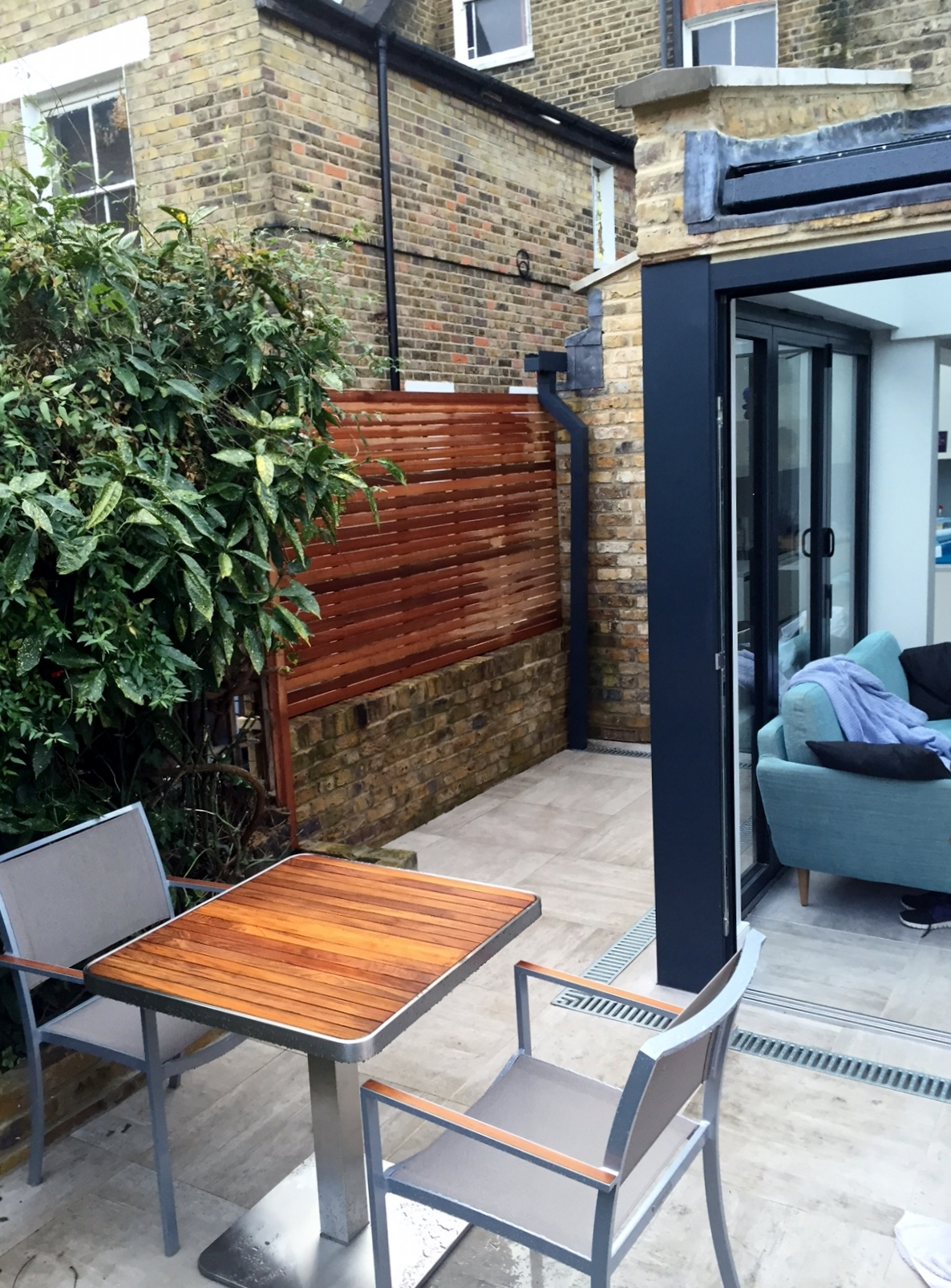 modern garden design brixton london patio paving hardwood screen