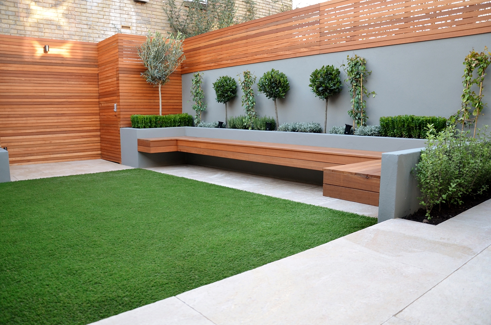 Modern garden design landscapers designers of contemporary for Bancas para jardin