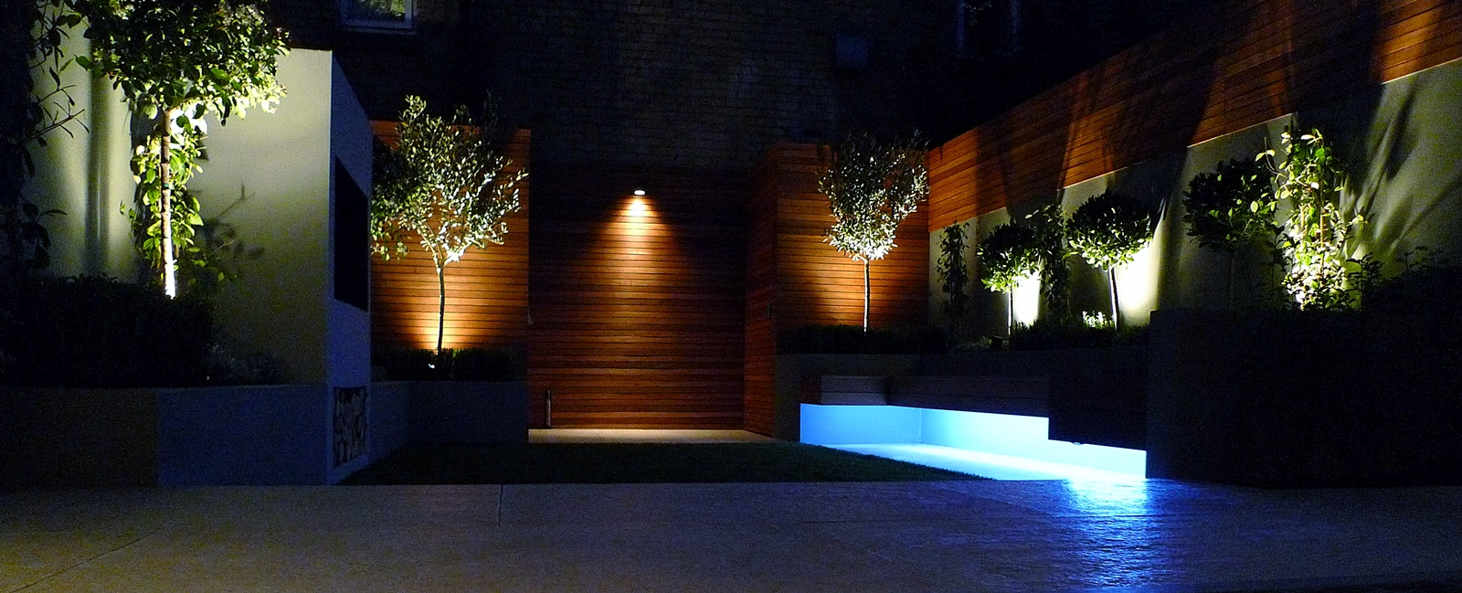 night lighting in modern garden clapham balham battersea london