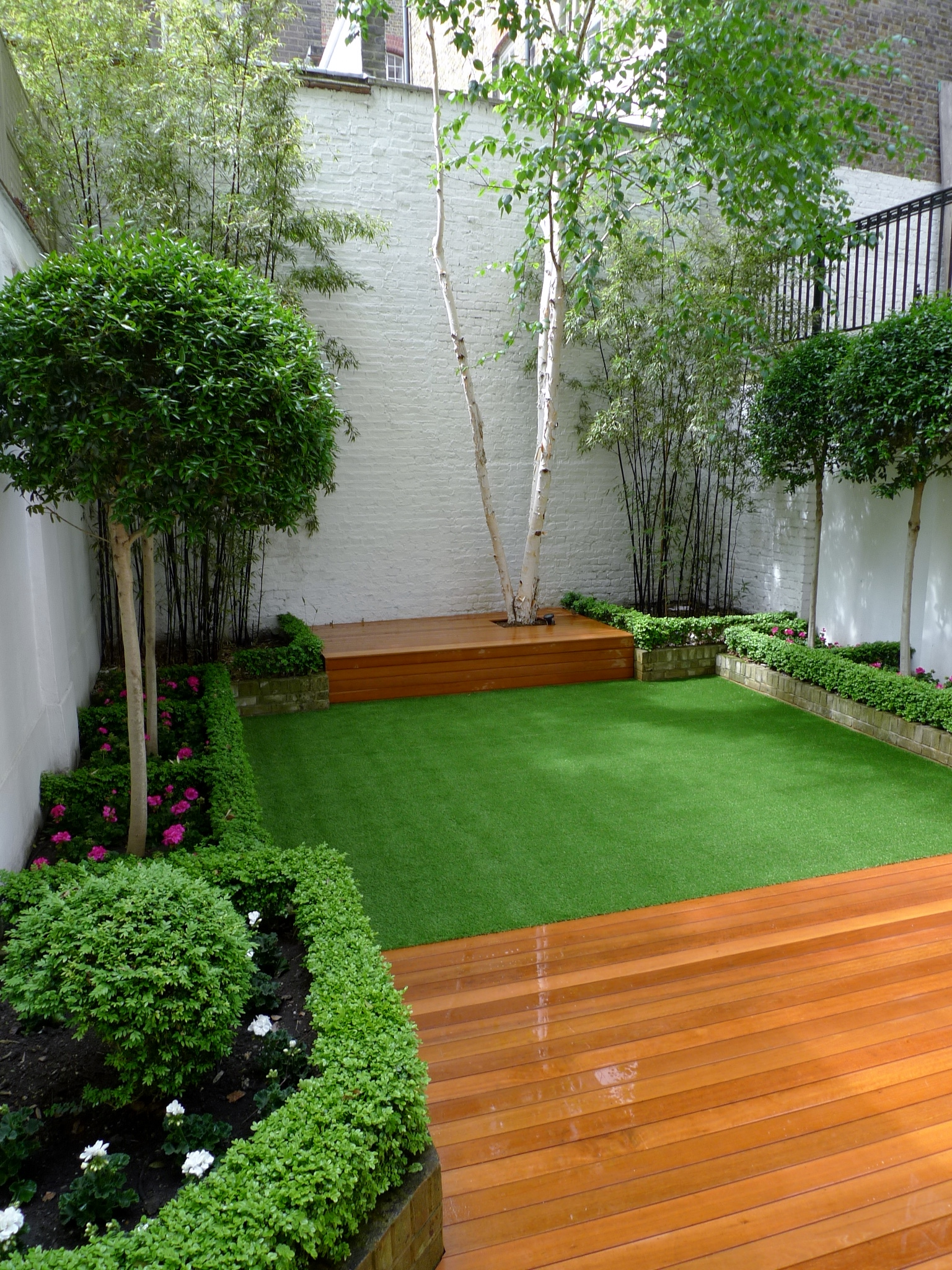 Chelsea modern garden design london london garden blog for Modern garden design