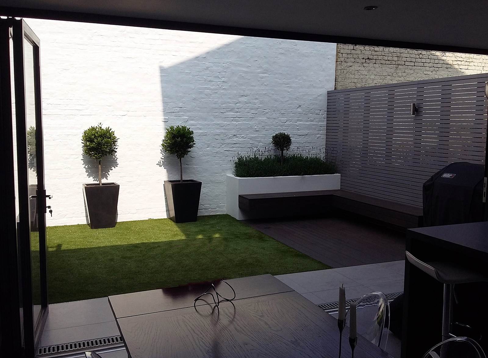 Small garden design in putney london london garden blog for Small modern garden design ideas
