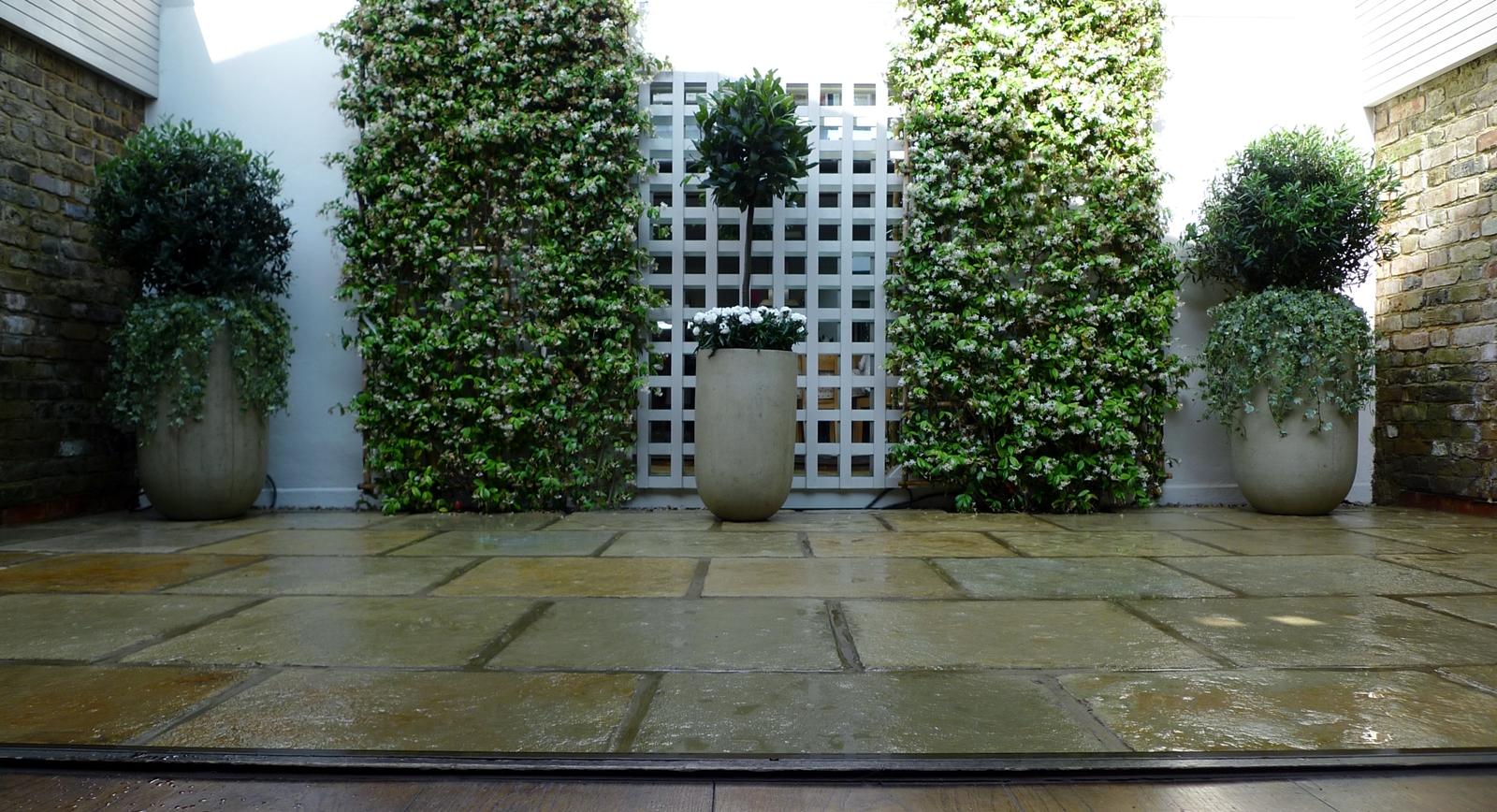 modern sleak low maintenance courtyard garden design wandsworth balham clapham battersea dulwich london
