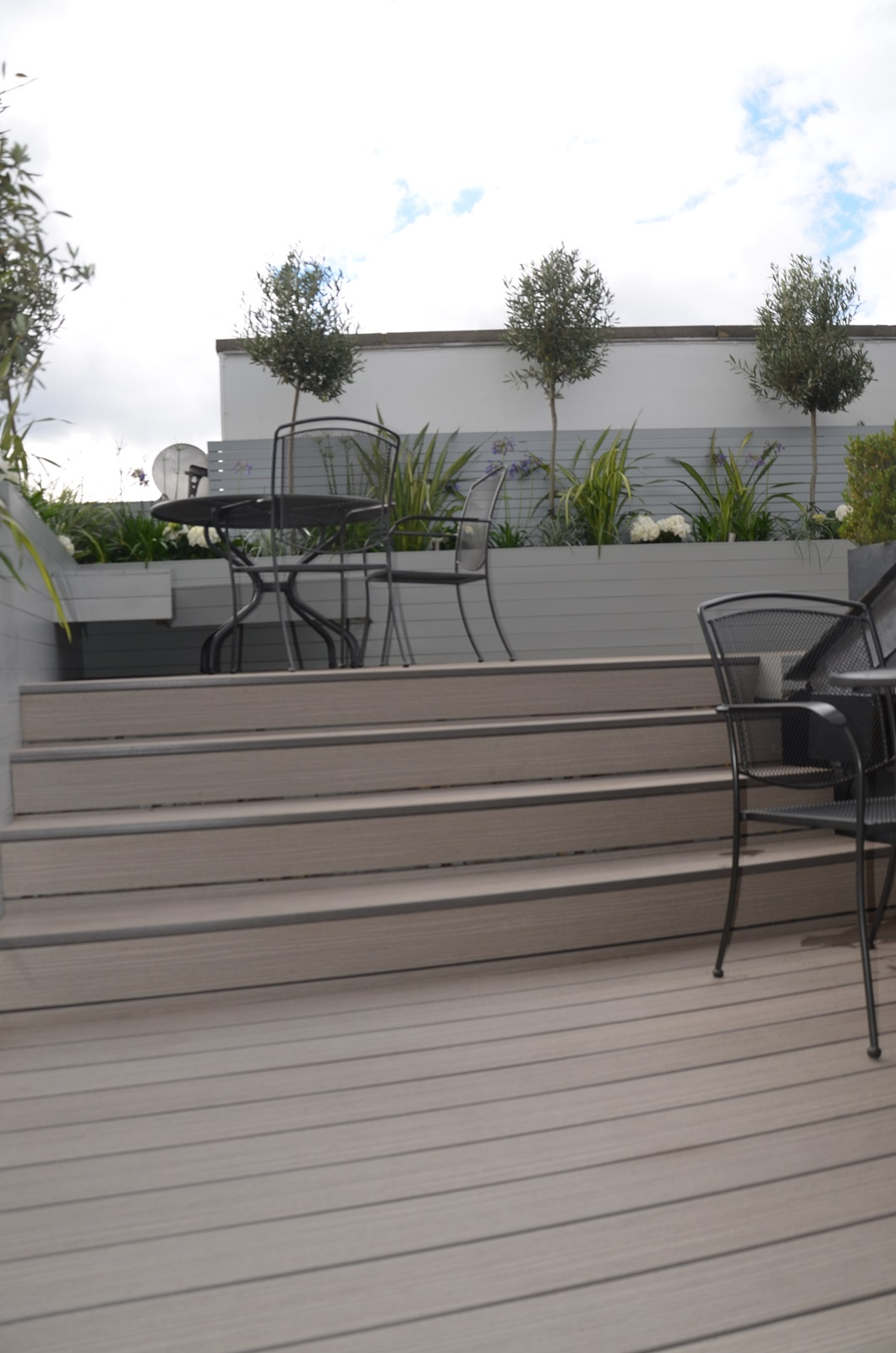 composite grey decking hardwood screens modern garden design and roof terrace tower bridge docklands london