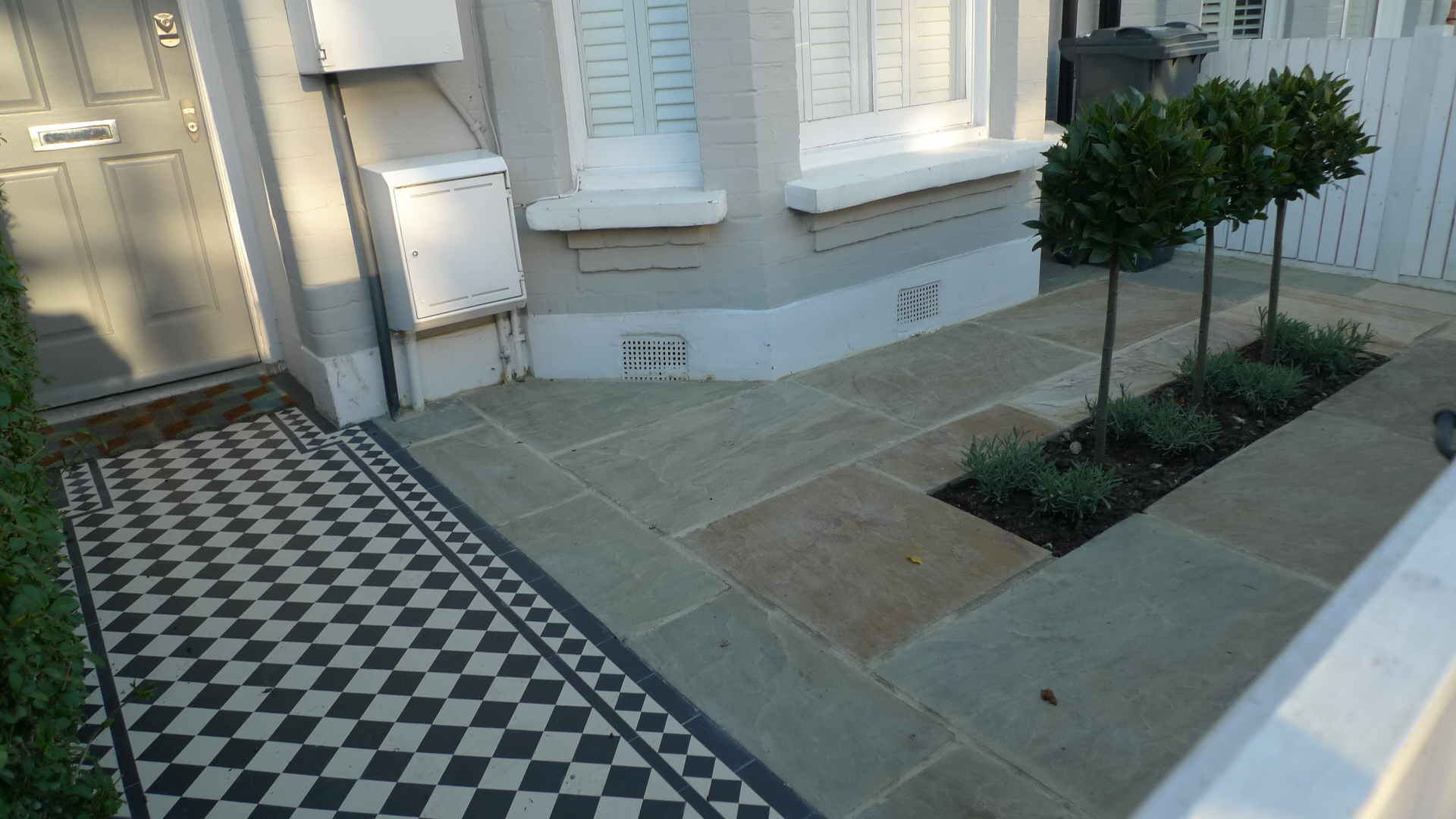 Chelsea archives page 11 of 12 london garden blog for Paved front garden designs