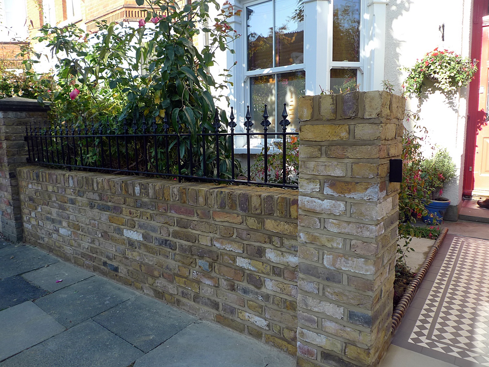 Front garden brick wall designs brick render fence with for Victorian garden walls designs